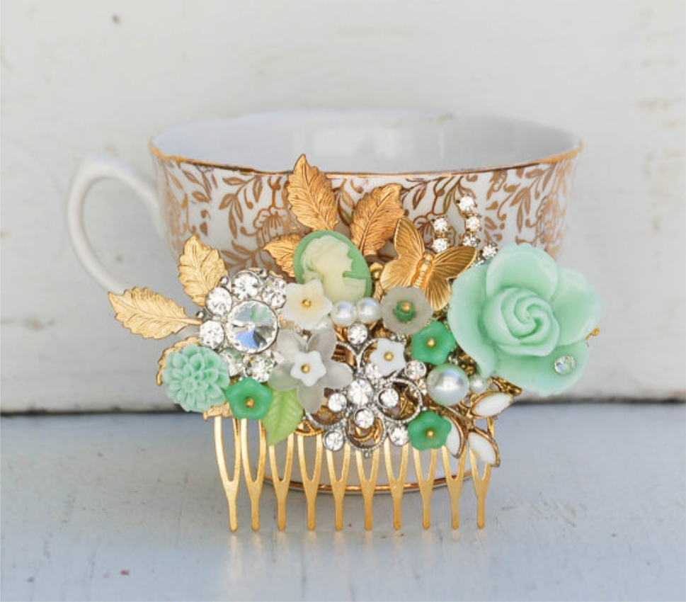 Bridal Hair Comb Sprinttime FLOWERS Wedding Vintage Jewels Garden Wedding